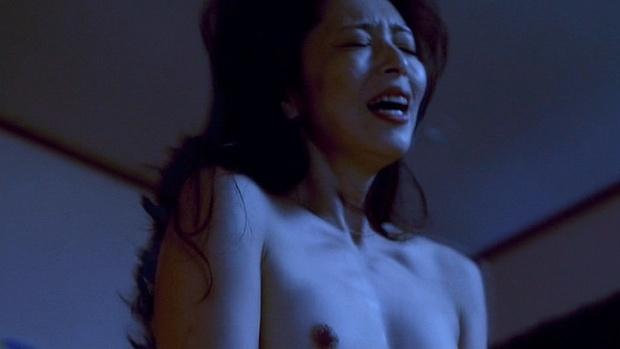 有森也実 映画「TAP 完全なる飼育」美乳丸出し濡れ場画像まとめ
