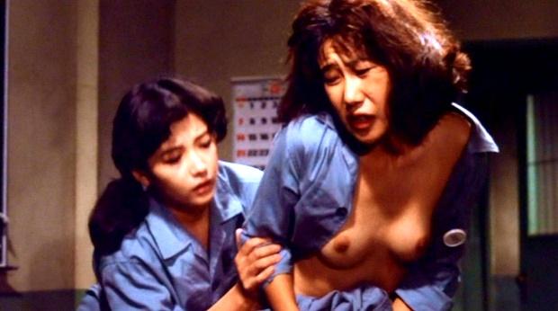 室井滋が乳首丸出し全裸濡れ場画像