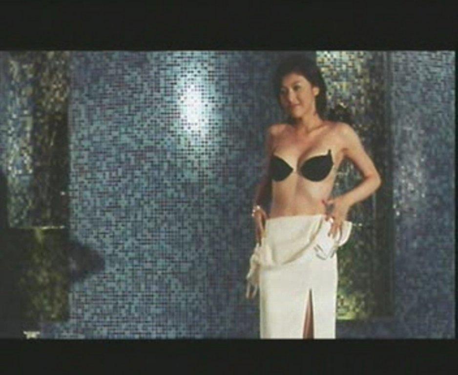 藤原紀香が海外映画「SPY_N」で全裸ストリップを披露した黒歴史
