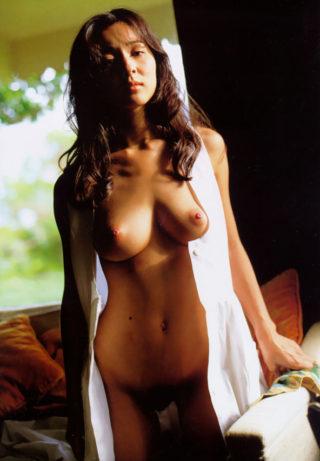 小松みゆきヌード画像!美巨乳女優の乳首&ヘア丸出し全裸がエロすぎる。(※画像あり)
