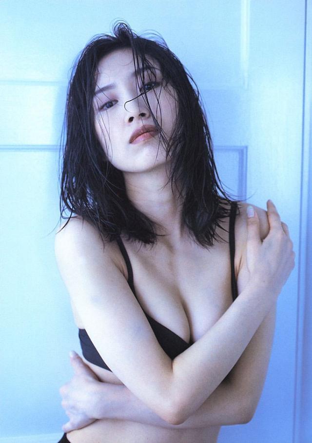 妙にエロい森口博子さんのエロ画像まとめ